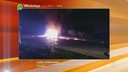 Vídeos mostram carros pegando fogo em ruas de Jundiaí