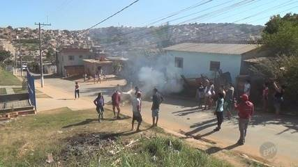Ônibus é incendiado na Rodovia Santos Dumont e pista é bloqueada em Campinas