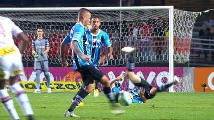 Veja no detalhe lance do gol do Grêmio contra o São Paulo