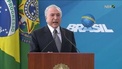 Temer teria prometido R$ 13 milhões para dirigentes de escolas de samba do RJ