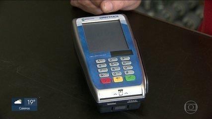 Comerciantes reclamam de nova máquina de cartões e polícia investiga caso como estelionato