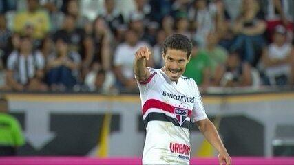 A estreia do Profeta! Hernanes persiste, faz gol e ajuda na virada do São Paulo