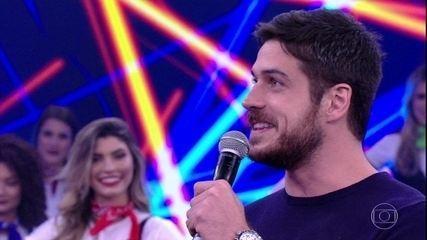 Marcos Pigossi relembra começo da carreira