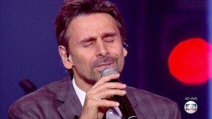 Murilo Rosa canta música de Roberto Carlos na repescagem