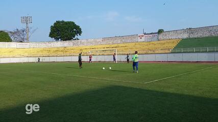 Treino goleiro Miller, Atlético-AC, no estádio Florestão, em Rio Branco