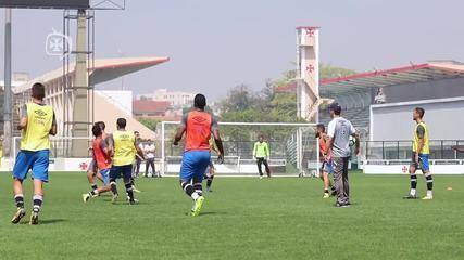 Zé Ricardo comanda primeiro treino no Vasco