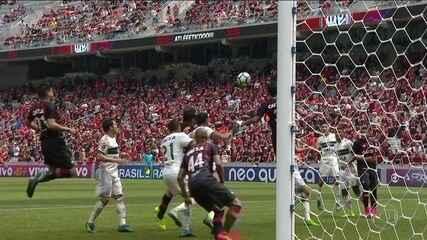Atlético-PR e Coritiba empatam em 1 a 1 pelo Campeonato Brasileiro