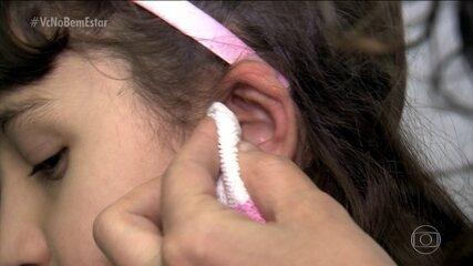 Saiba como aliviar o excesso de cera no ouvido