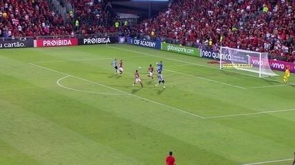 Confira os lances em que Thiago foi exigido contra o Grêmio