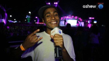 Ícaro Silva se diverte na cidade do rock