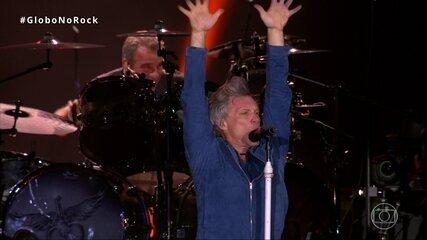 """Bon Jovi levanta o público com """"Raise Your Hands"""""""