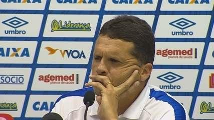 Confira a coletiva de Claudinei Oliveira após Avaí 0 x 2 Atlético-GO na Ressacada