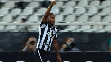 Os gols de Botafogo 2 x 1 Chapecoense pela 27ª rodada do Brasileirão