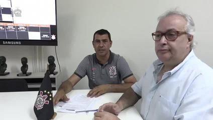 Fábio Carille assina renovação de contrato por mais dois anos com o Corinthians