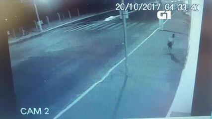 Vídeo mostra o momento em que travesti é asassinada