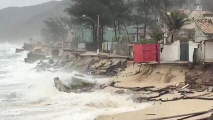 Moradores relatam novos estragos na Praia da Macumba após ressaca