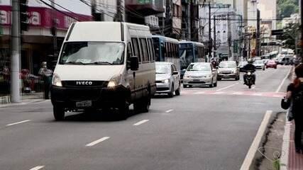 Policial é baleado após assalto no Centro de Vitória, no ES