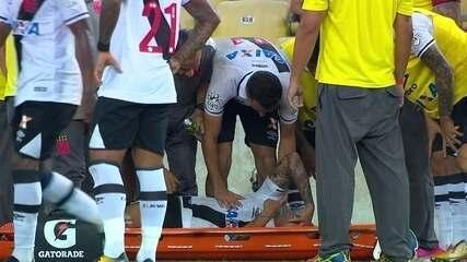 Ramon cai sentindo muitas dores e sai de campo de maca, aos 39 do 2º tempo