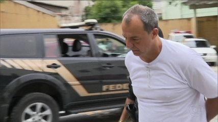 Cabral e outros presos da Lava Jato têm sala de cinema na cadeia