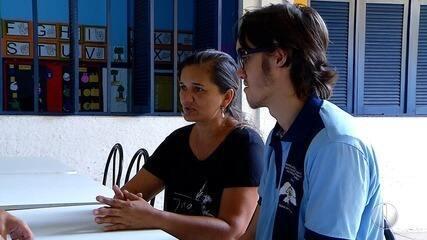 Falta de intérprete prejudica desenvolvimento de estudante surdo no interior potiguar