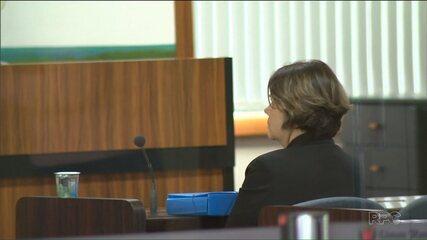 Vereadora suspeita de exigir parte do salário de funcionários é ouvida por comissão
