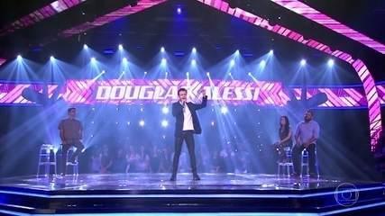 "Douglas Alessi canta ""Pétala"""