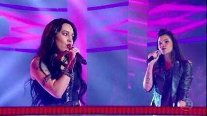 """Danielle Dias e Samantha Ayara cantam """"Me Adora"""""""