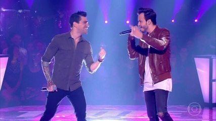 """Douglas Alessi e Tiago Velame cantam """"Attention"""""""