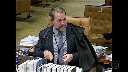 Maioria do STF aprova restringir foro privilegiado, mas Toffoli adia decisão