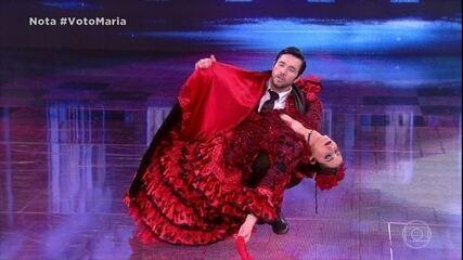 Maria Joana e Reginaldo Sama dançam o paso doble