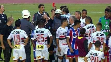 Petros é expulso depois do fim da partida por agressão a jogador do Bahia aos 51' do 2º