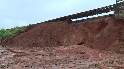 Chuva causa deslizamento de terra em Contagem, na Grande BH