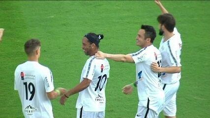 Os gols de Amigos do Ronaldinho 6 x 9 Estrelas em Amistoso de futebol
