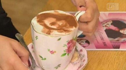Café oferece selfieccino, o capuccino com selfie, em Londres