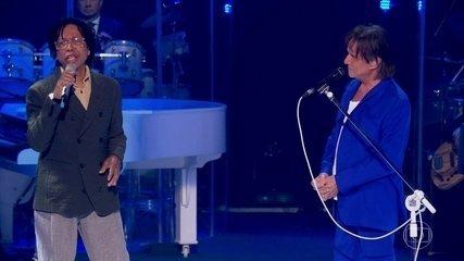 Roberto Carlos canta a música 'Pétala' com Djavan