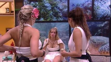 Paula diz a sisters: 'Acho melhor evitar qualquer tipo de confusão'