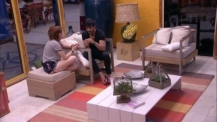 Lucas confessa para Ana Clara que votar em Gleici foi difícil