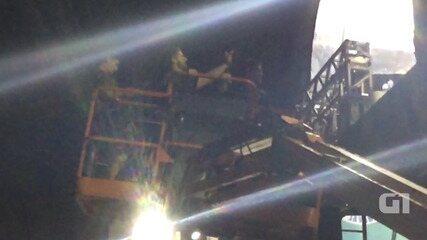 DJ Alok conta com auxílio de guindaste para subir na Torre Eletrônica, no Farol da Barra