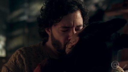 Lucrécia beija Osiel