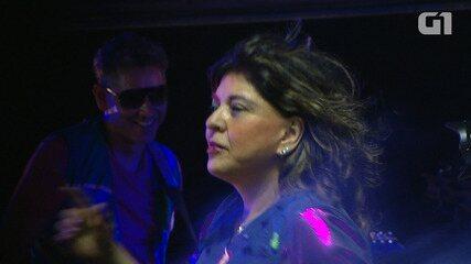 Roberta Miranda curte carnaval de Salvador no trio de Daniela Mercury