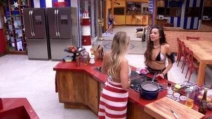 Paula conta para Jéssica que sonhou com Lucas beijando a sister