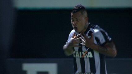 Gol do Botafogo! Leo Valencia cobra falta com categoria e amplia, aos 28 do 1º tempo