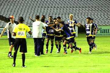 Altos vence o Parnahyba com gols de Manoel e Esquerdinha no Piauiense 2018; veja