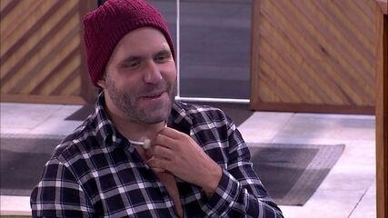 Caruso explica choro em filme: 'Deu saudade'