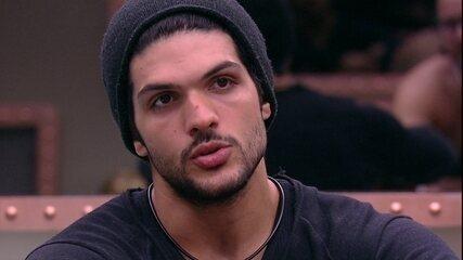 Lucas para Diego: 'Fiz minhas orações e pedi que nós ficássemos'