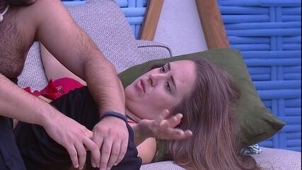 Patrícia comenta sobre Paula e Ana Clara: 'Treta'