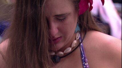 Patrícia lamenta: 'Vi as pessoas abraçadas e me senti sozinha'