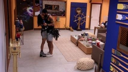 Gleici e Wagner se beijam na sala do BBB18