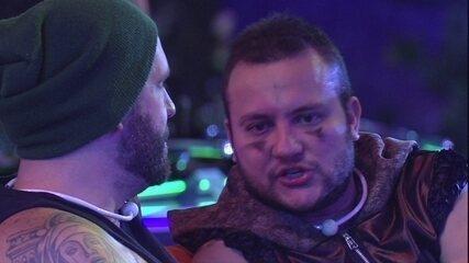 Diego confabula Paredão com Caruso: 'Eu, Gleici e Breno'