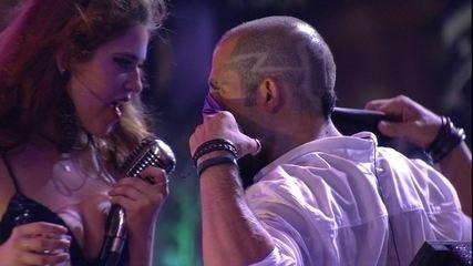 Ana Clara e Kaysar sensualizam no palco